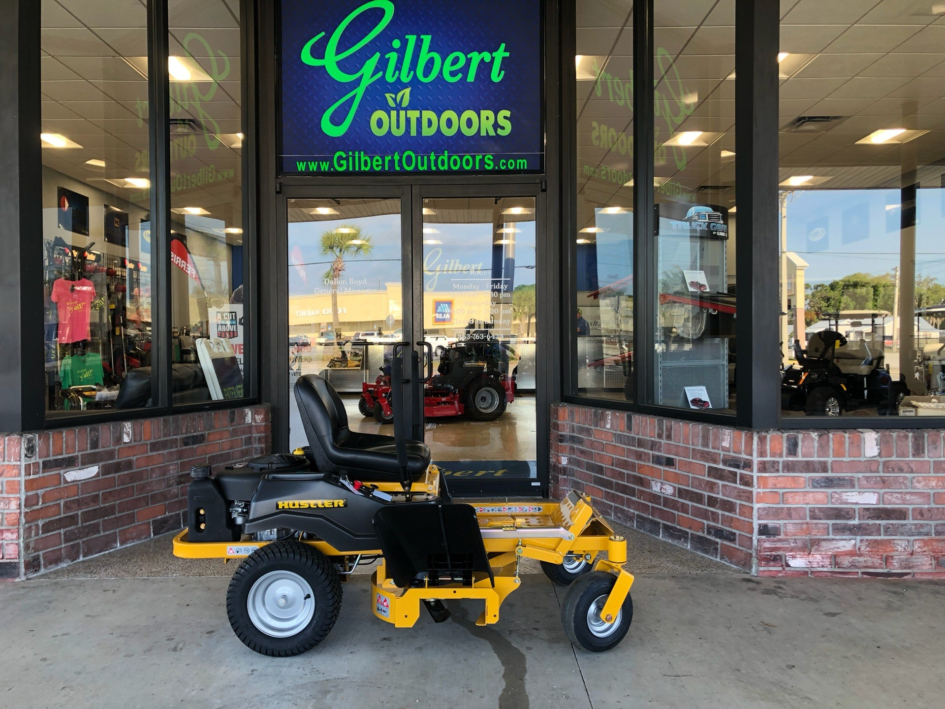 2019 Hustler Turf Equipment Dash 34 in. Briggs & Stratton PowerBuilt in Okeechobee, Florida