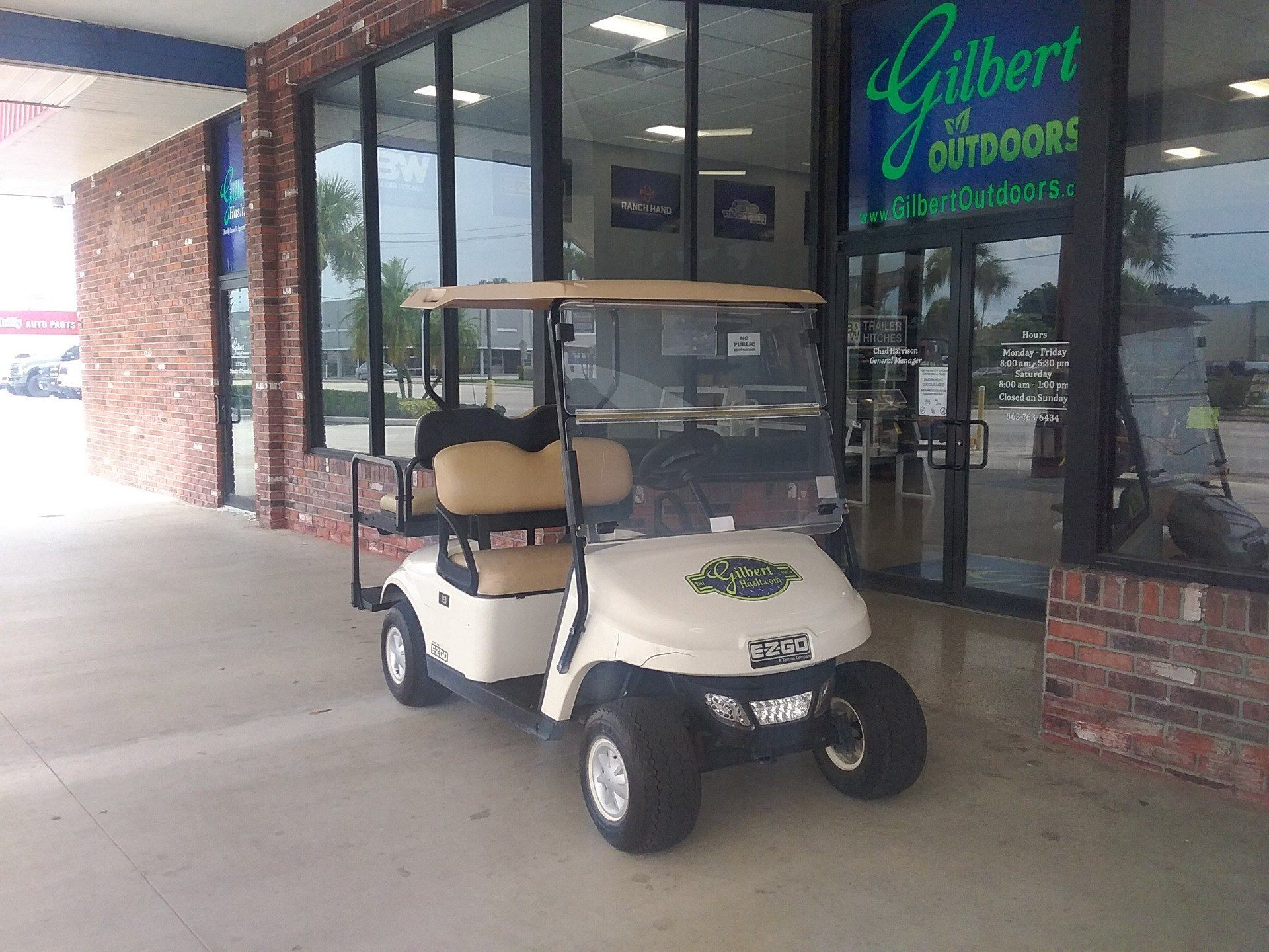 2015 E-Z-GO TXT Electric in Okeechobee, Florida - Photo 1