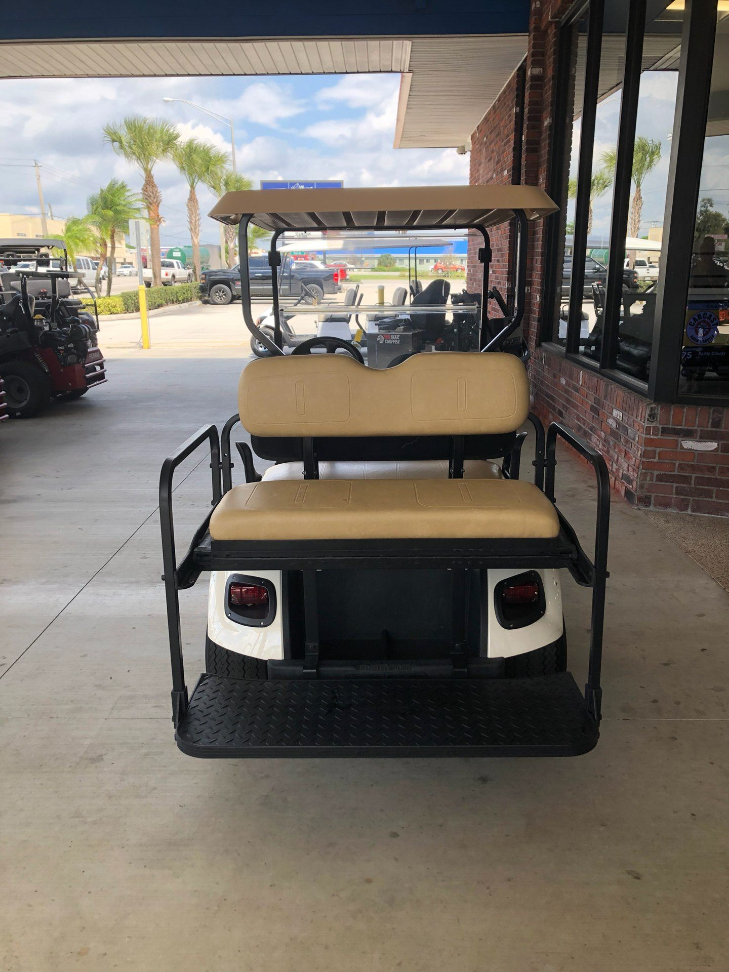 2016 E-Z-GO TXT Electric in Okeechobee, Florida - Photo 6