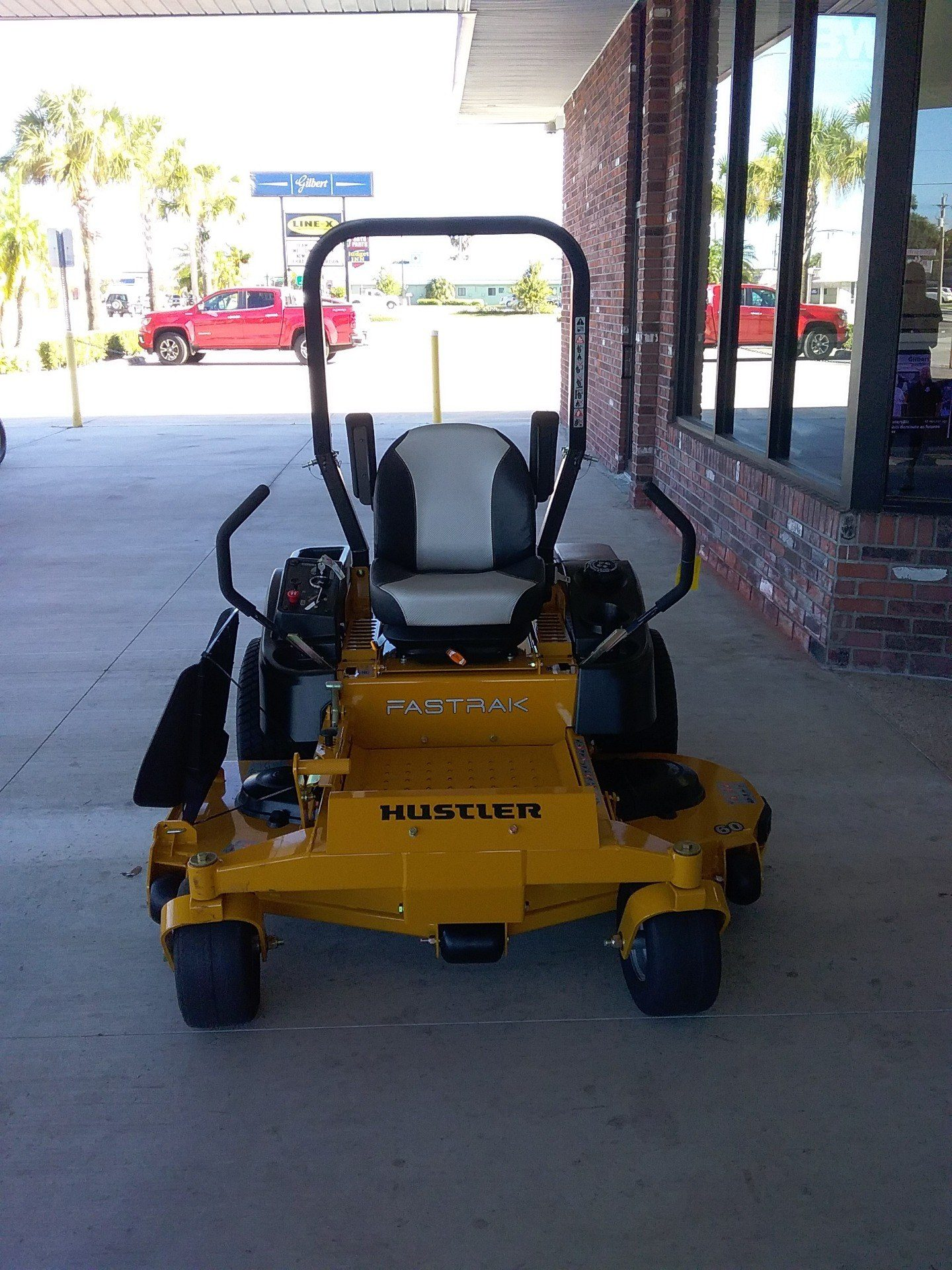 2019 Hustler Turf Equipment FasTrak 60 in. Kawasaki Zero Turn Mower in Okeechobee, Florida - Photo 2