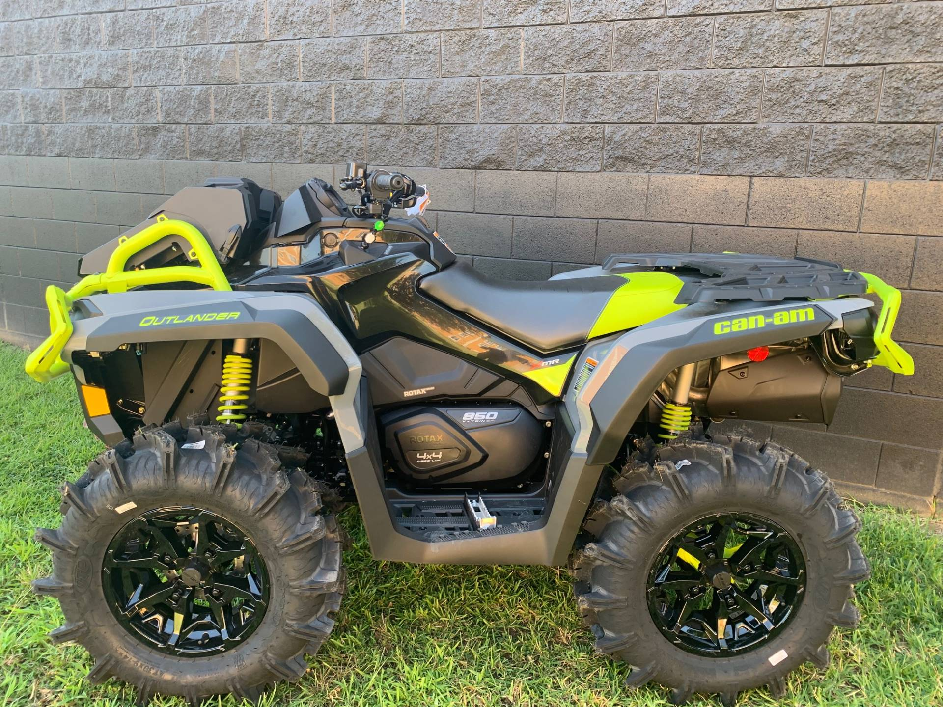 2020 Can-Am Outlander X MR 850 in West Monroe, Louisiana - Photo 2