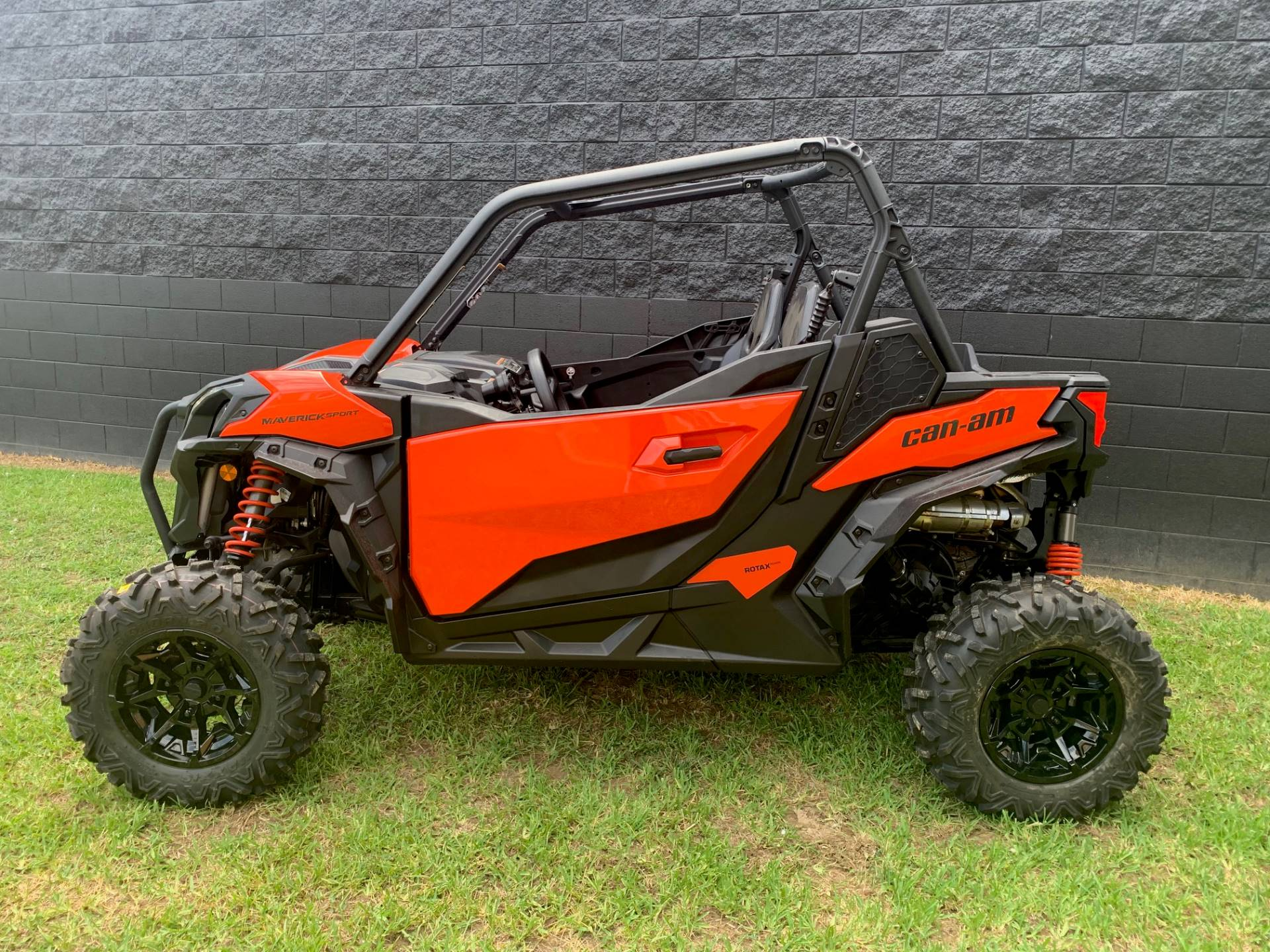 2019 Can-Am Maverick Sport DPS 1000R in West Monroe, Louisiana - Photo 4
