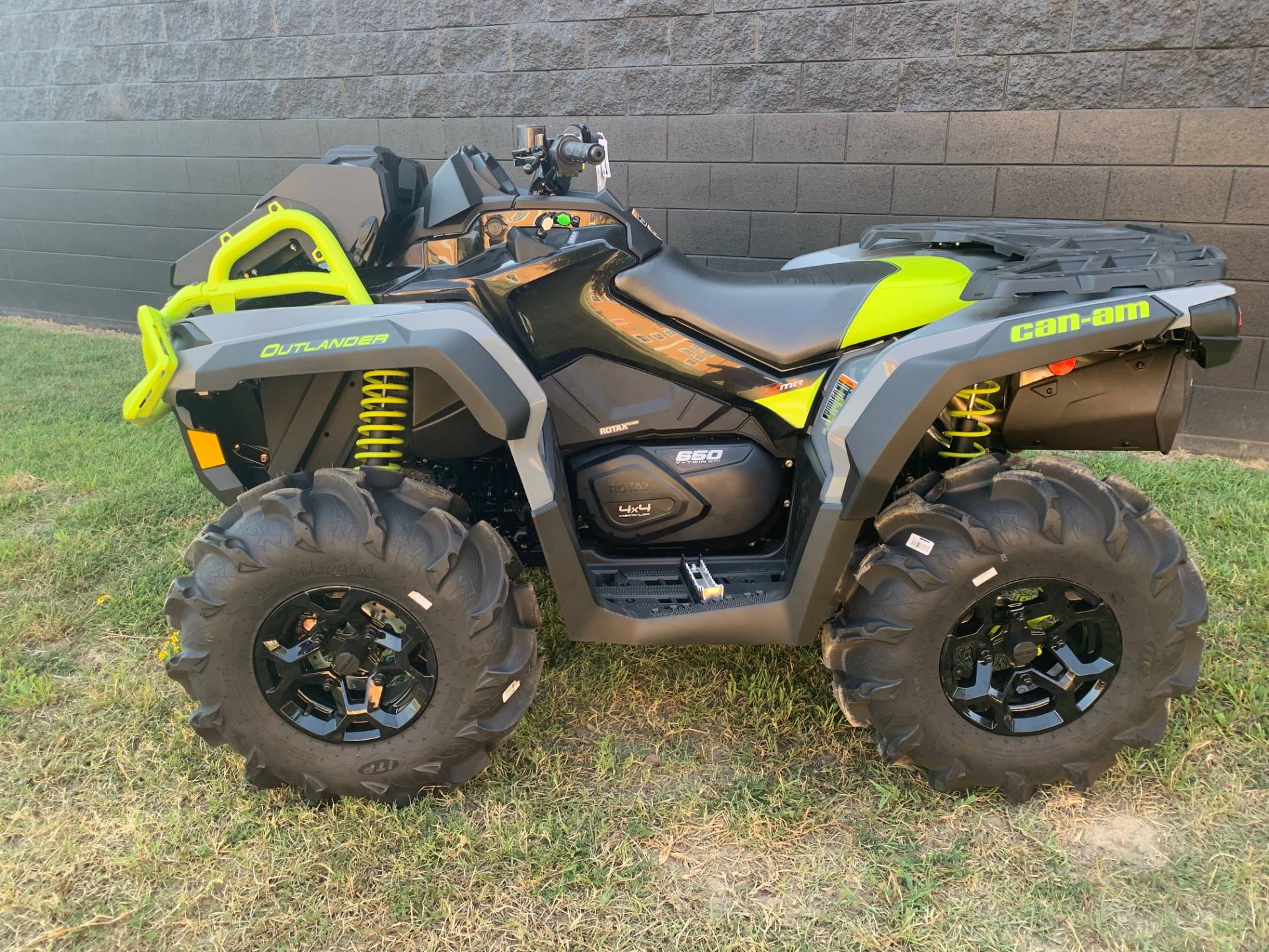 2020 Can-Am Outlander X MR 650 in West Monroe, Louisiana - Photo 2