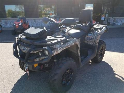 2014 Can-Am Outlander™ MAX XT™ 1000 in Land O Lakes, Wisconsin