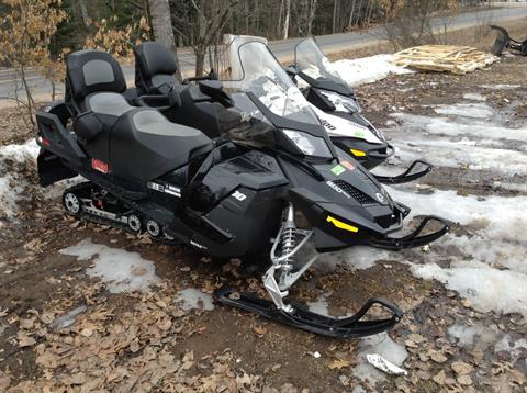 2015 Ski-Doo Grand Touring™ LE ACE™ 900 in Land O Lakes, Wisconsin
