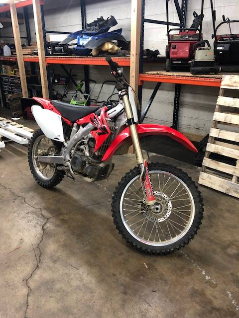 2006 HONDA CRF 450R in Forest View, Illinois