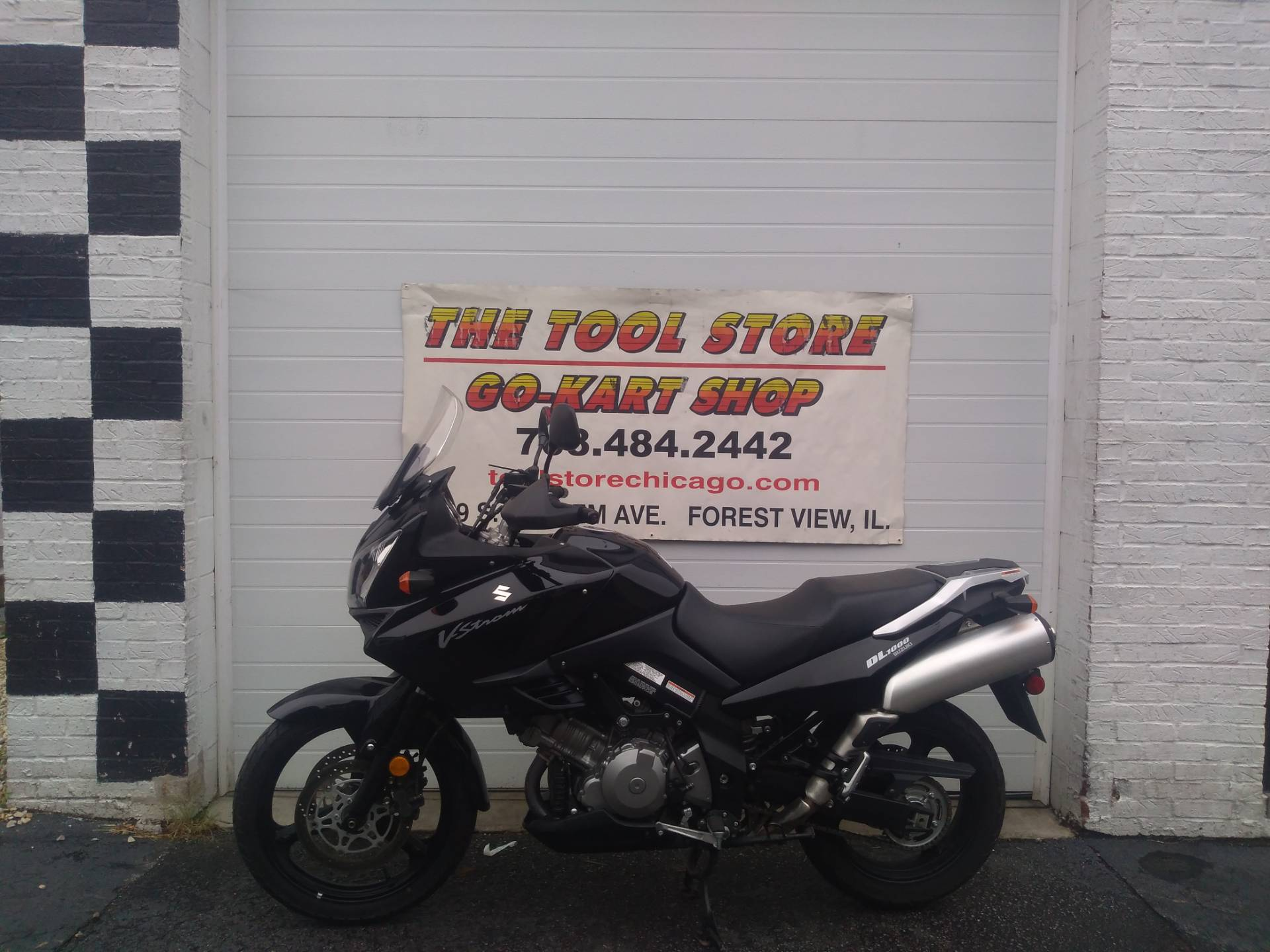 2005 Suzuki DL1000V STORM in Forest View, Illinois