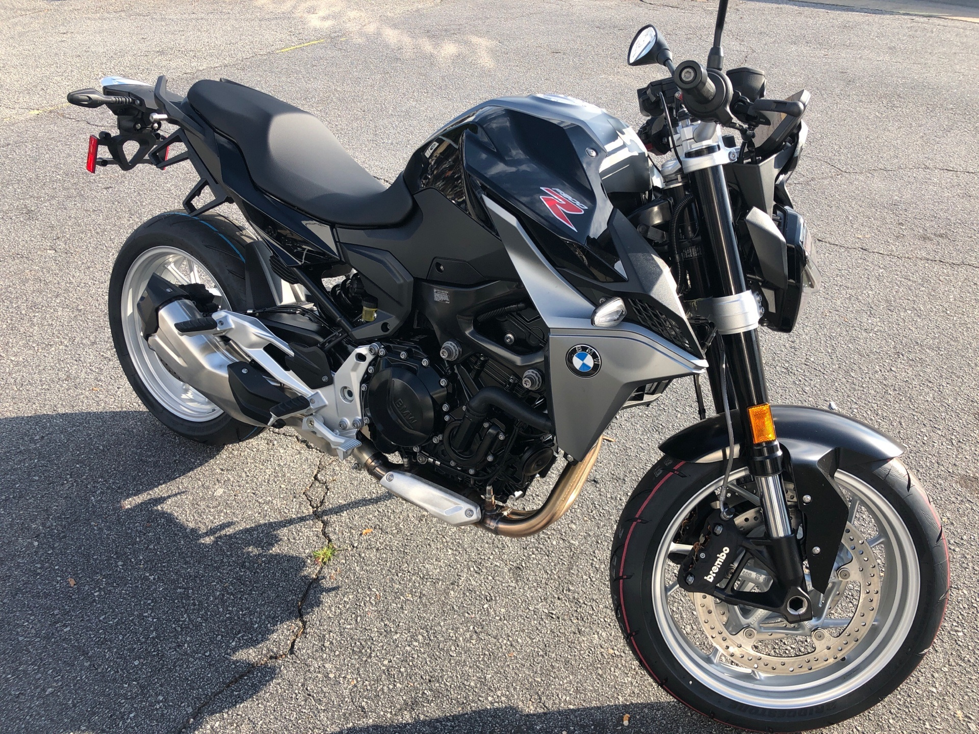 2021 BMW F900R in Greenville, South Carolina - Photo 2