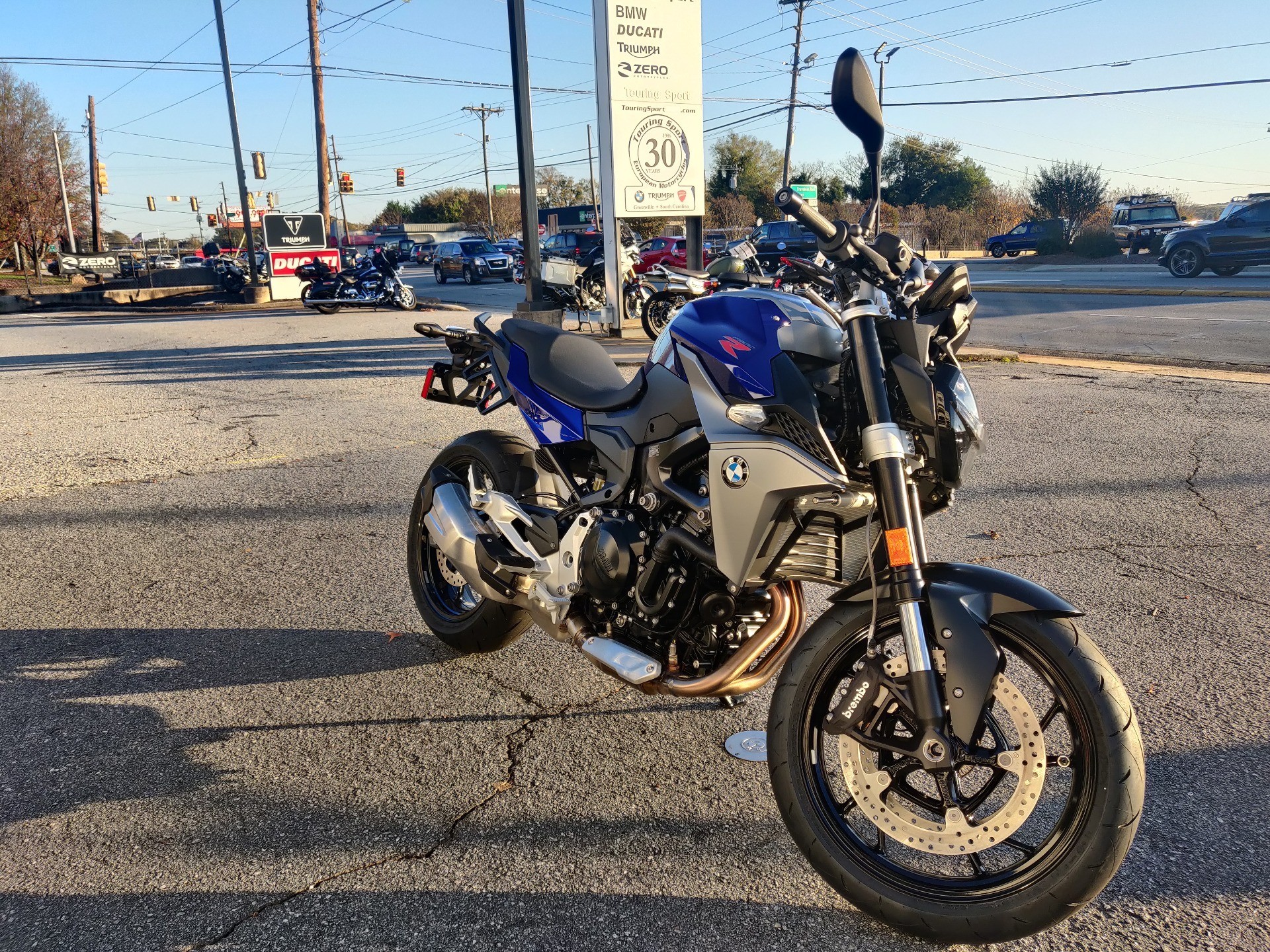 2021 BMW F 900 R in Greenville, South Carolina - Photo 3