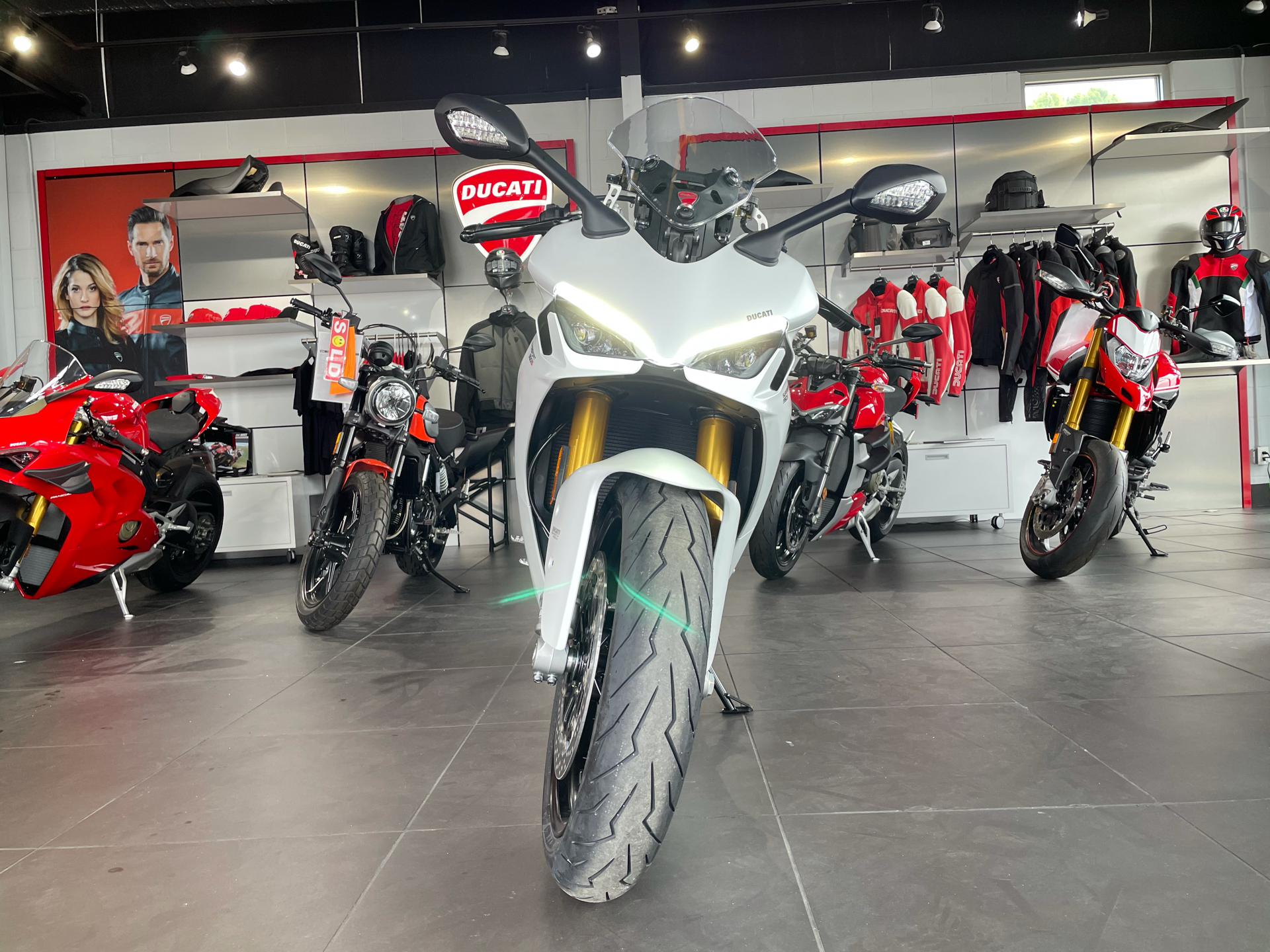 2021 Ducati SuperSport 950 S in Greenville, South Carolina - Photo 3