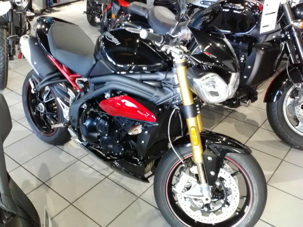 2015 Triumph Speed Triple R ABS in Greenville, South Carolina