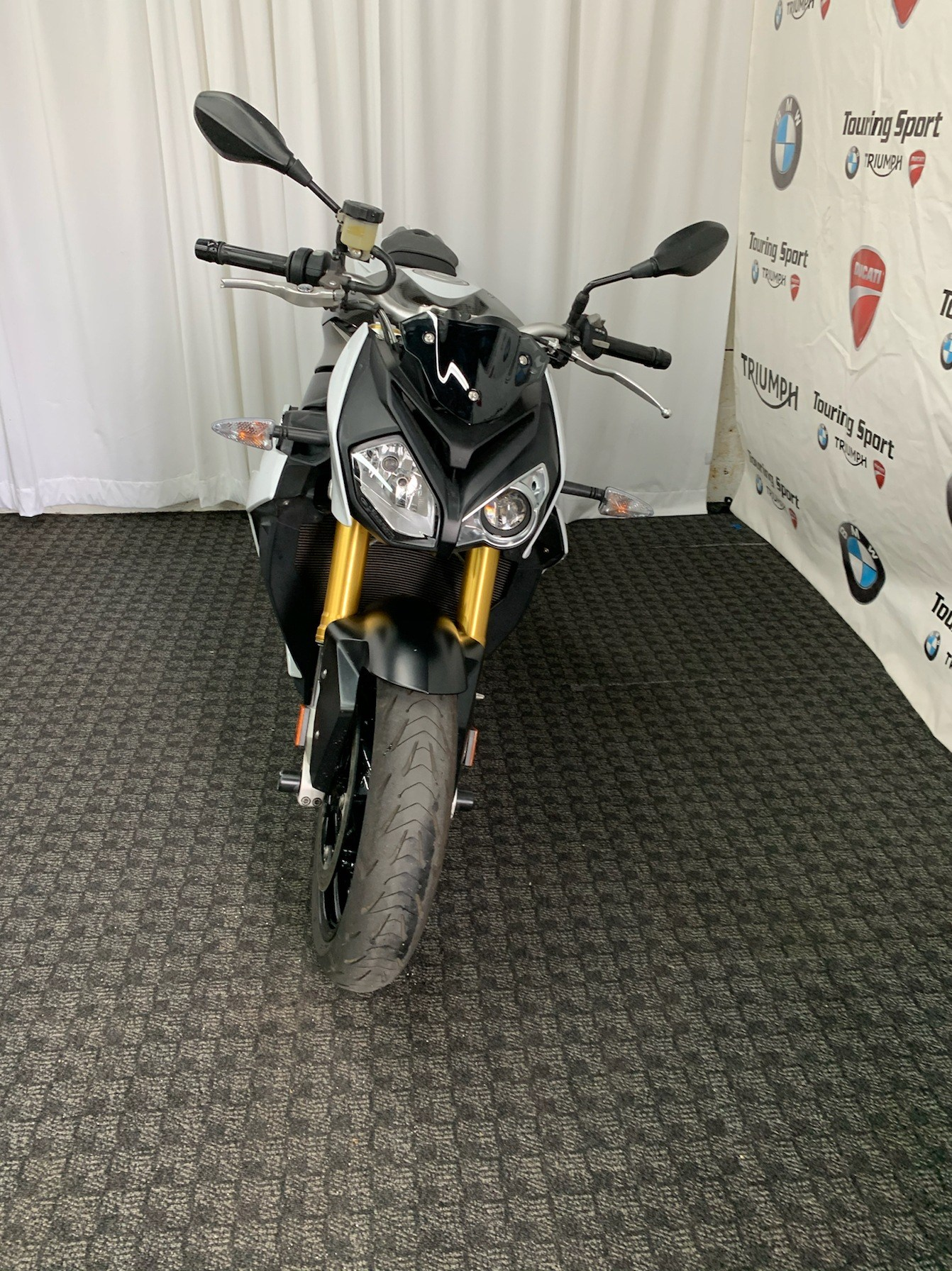 2015 BMW S 1000 R in Greenville, South Carolina - Photo 3
