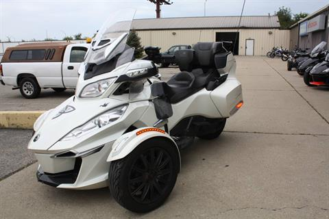 2014 Can-Am SPYDER RT-S SE6 in Franklin, Ohio