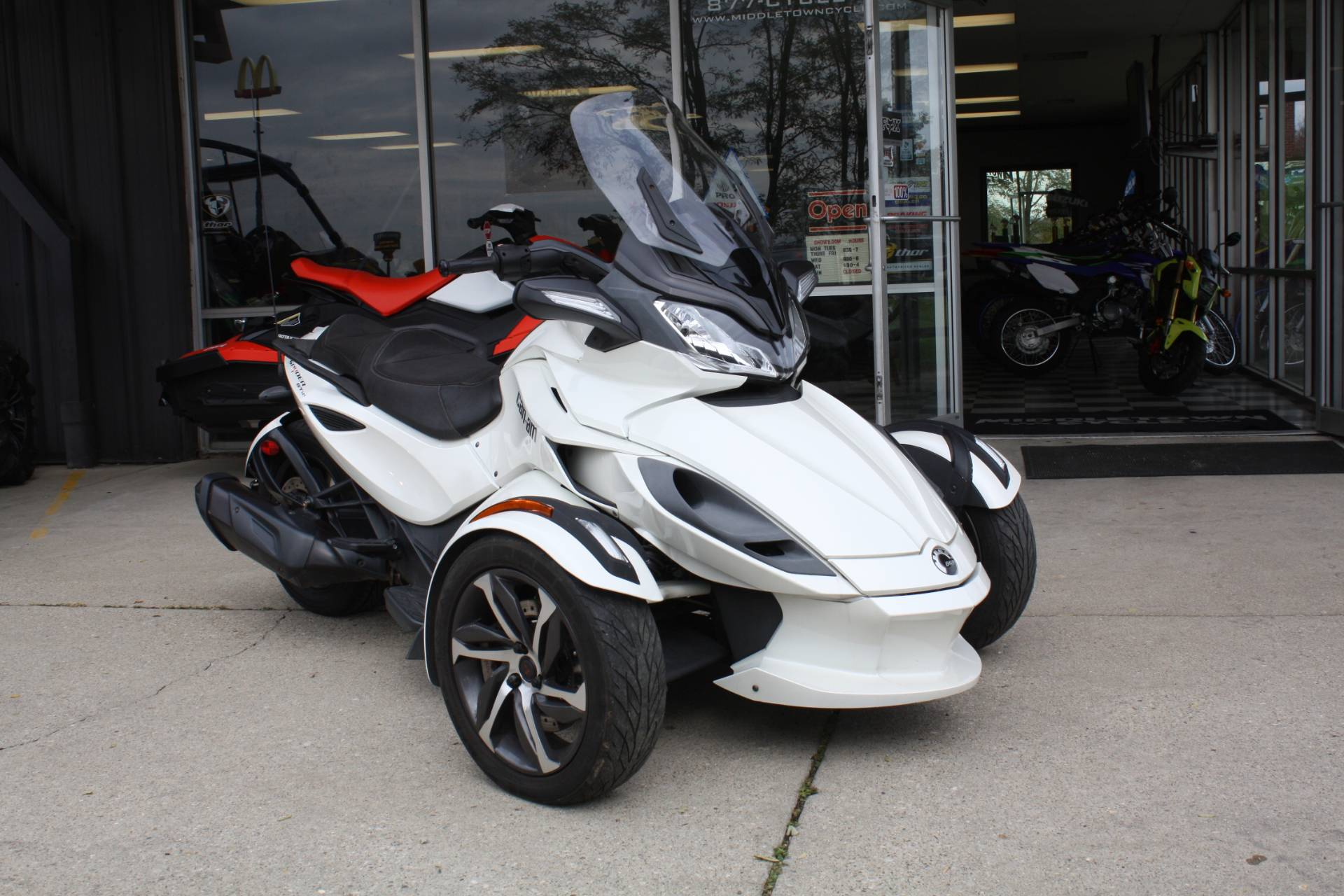2014 Can-Am SPYDER STS SE5 in Franklin, Ohio