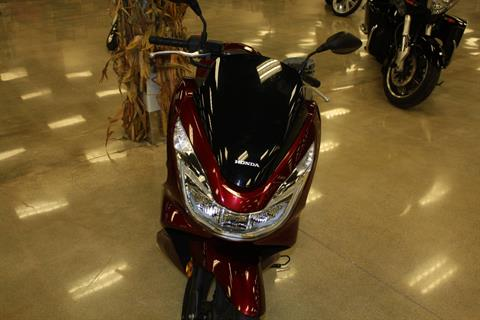 2016 Honda PCX150 in Middletown, Ohio - Photo 2