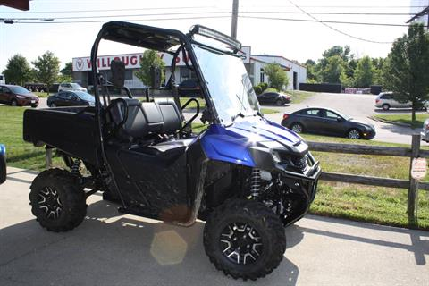 2017 Honda Pioneer Deluxe 700 in Franklin, Ohio