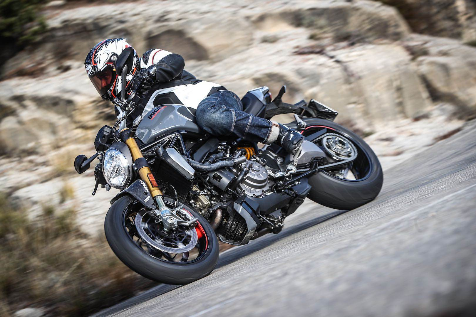 2017 Ducati Monster 1200 S in Thousand Oaks, California