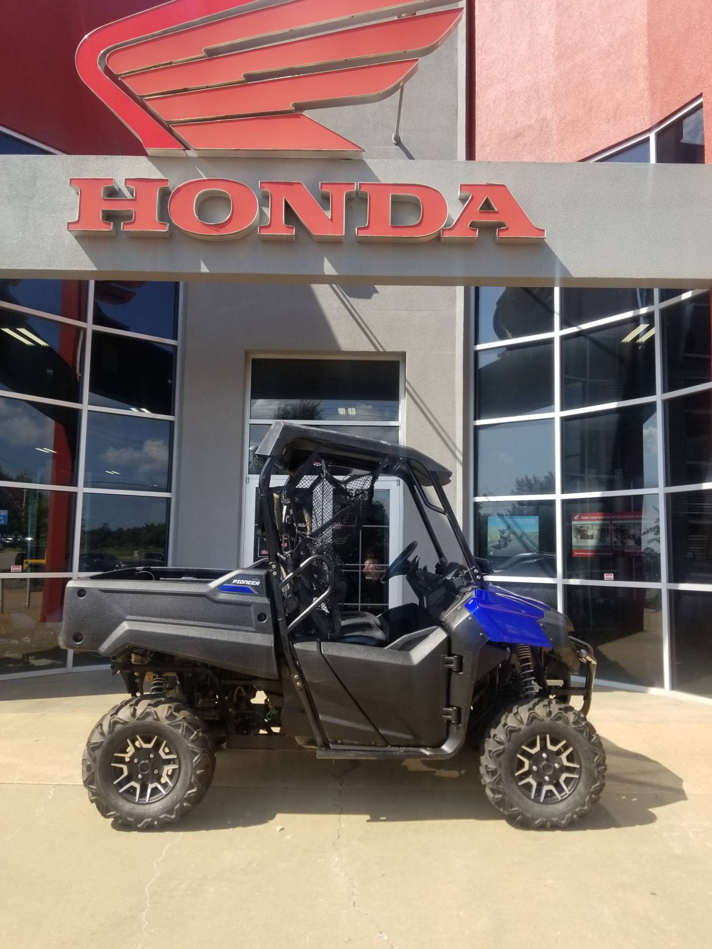 2017 Honda Pioneer 700 Deluxe in Olive Branch, Mississippi - Photo 1