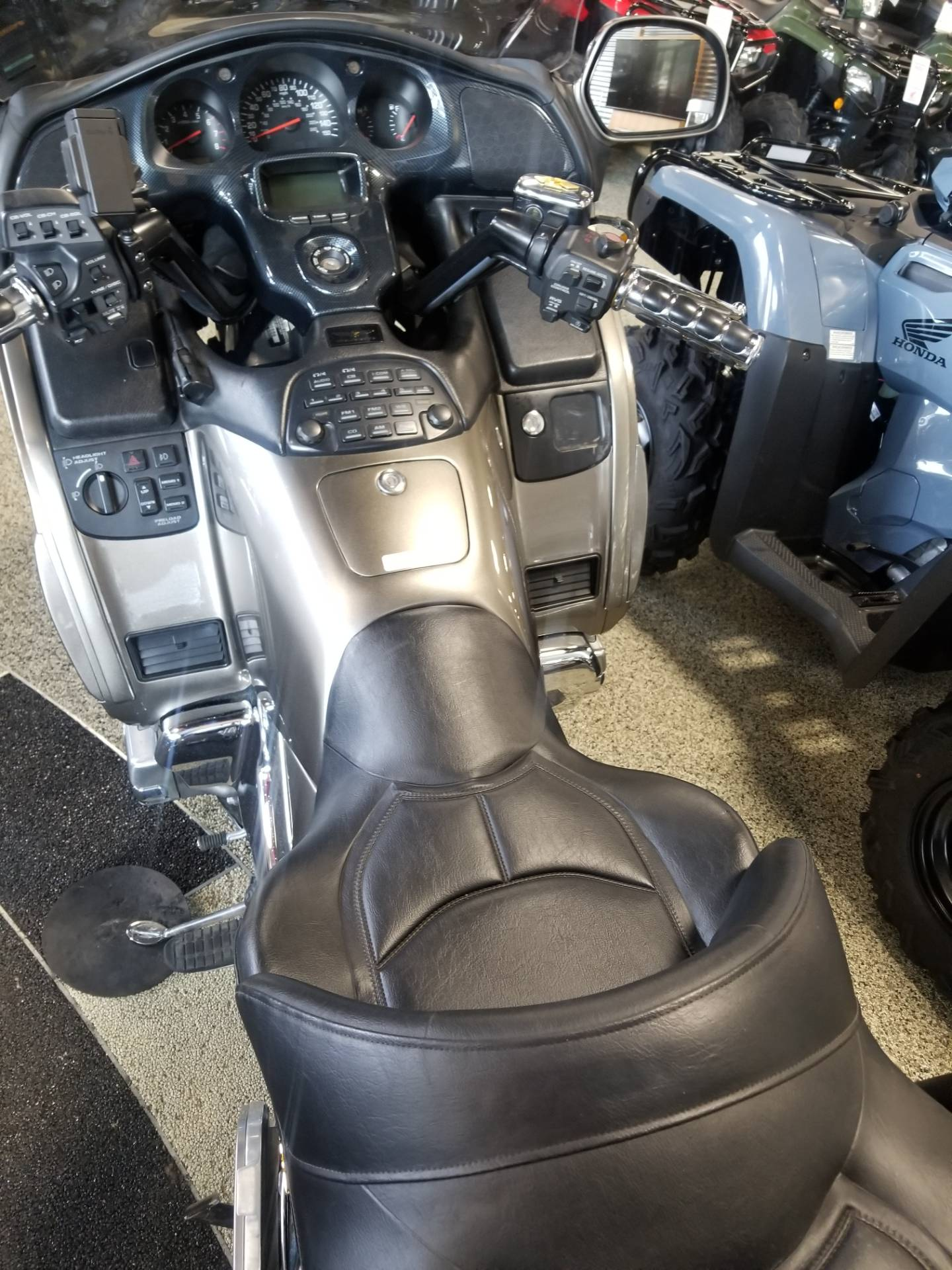 2004 Honda Gold Wing in Olive Branch, Mississippi - Photo 2