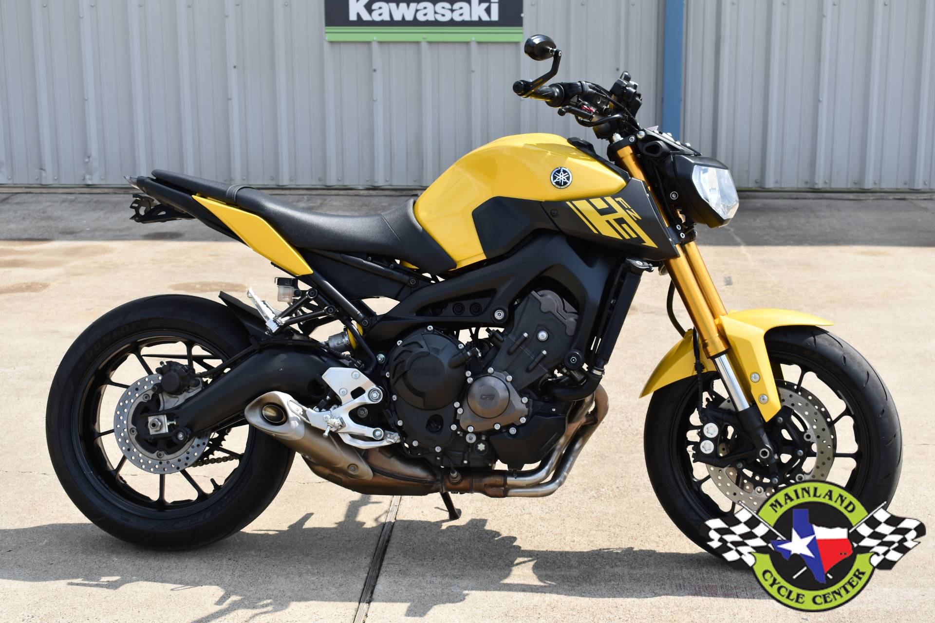 2015 Yamaha FZ-09 in La Marque, Texas - Photo 2