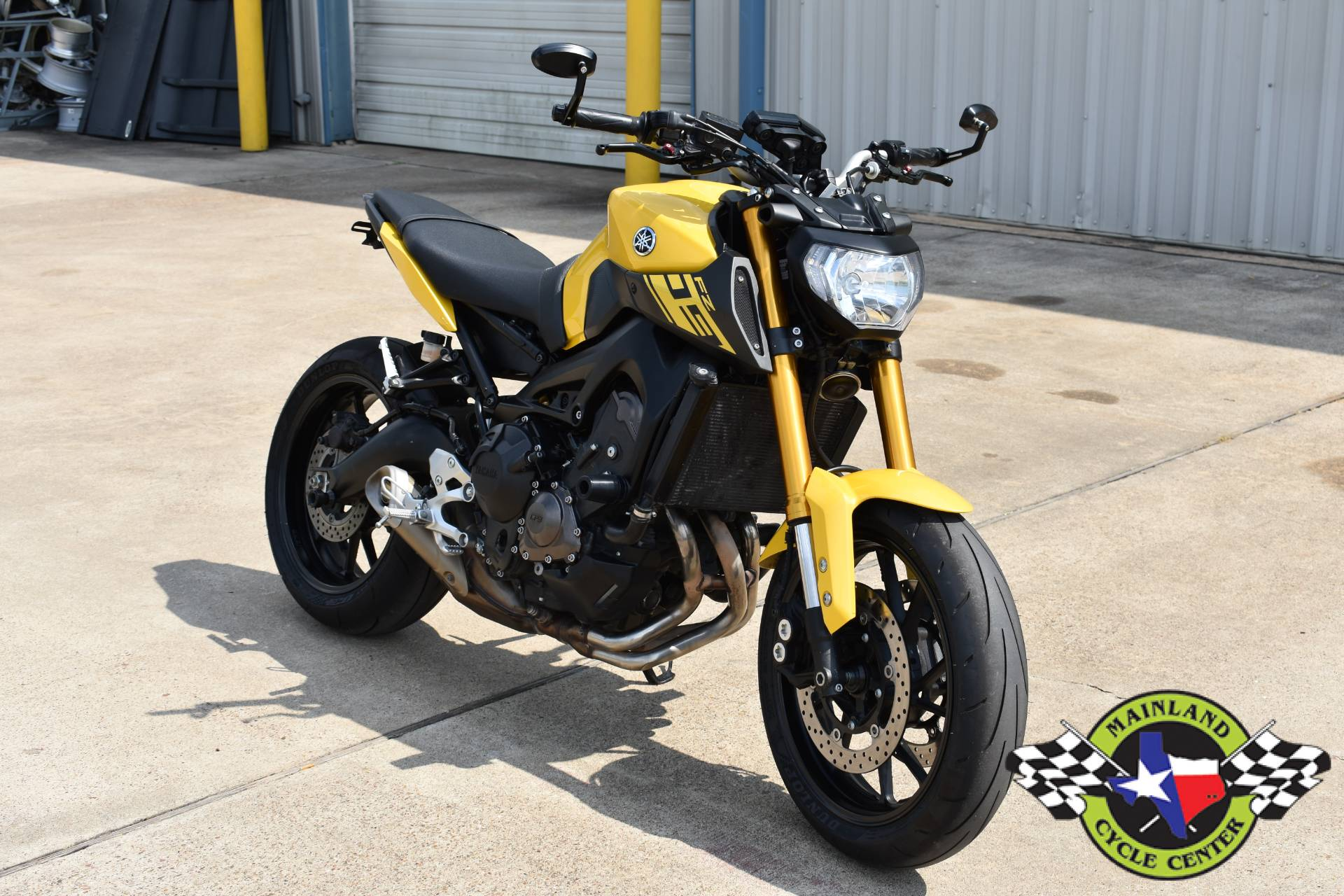 2015 Yamaha FZ-09 in La Marque, Texas - Photo 3