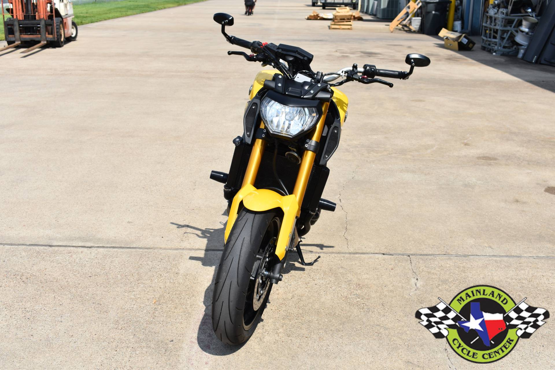 2015 Yamaha FZ-09 in La Marque, Texas - Photo 9