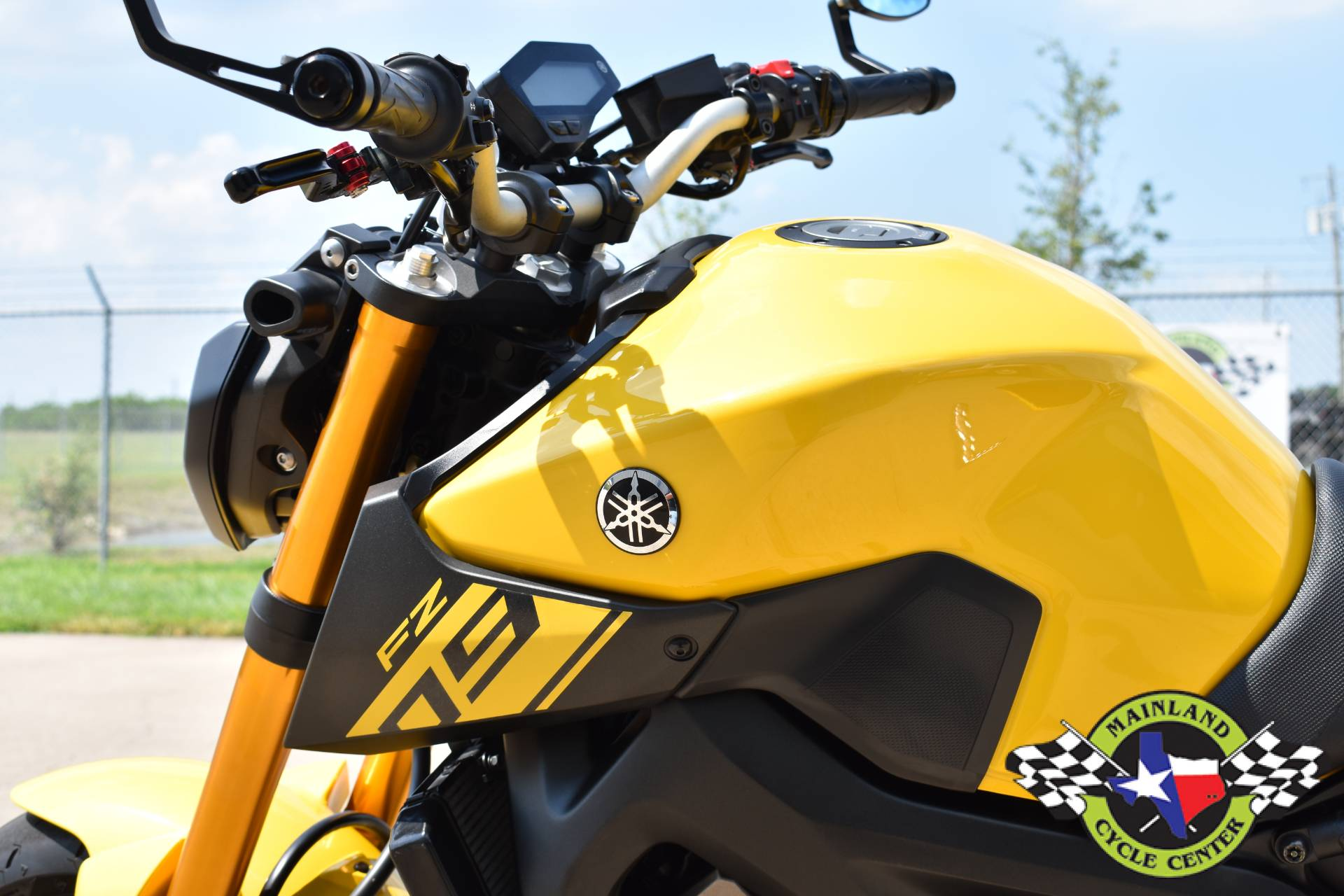 2015 Yamaha FZ-09 in La Marque, Texas - Photo 16