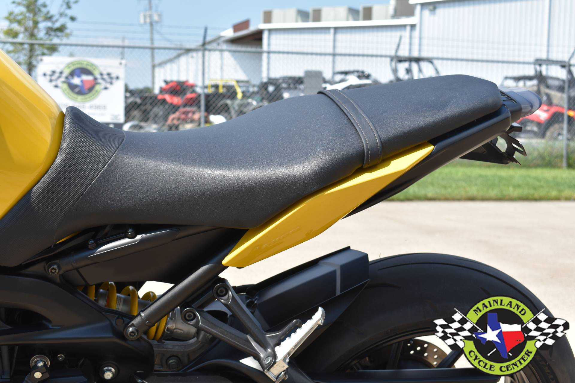 2015 Yamaha FZ-09 in La Marque, Texas - Photo 17