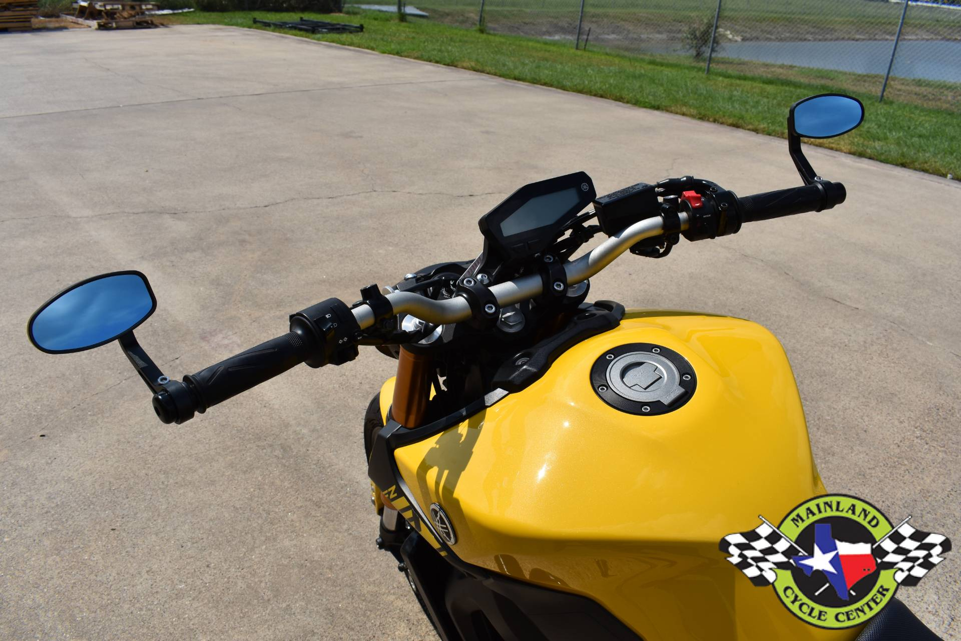 2015 Yamaha FZ-09 in La Marque, Texas - Photo 21