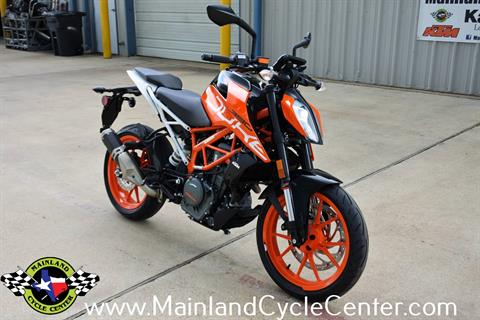 2020 KTM 390 Duke in La Marque, Texas - Photo 2