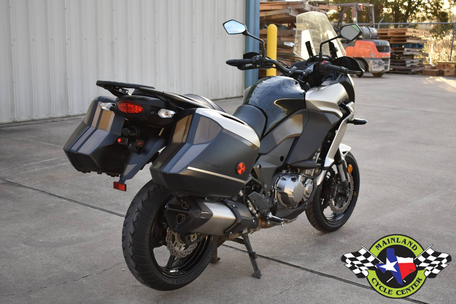 2016 Kawasaki Versys 1000 LT — Ride Review | RideApart Photos