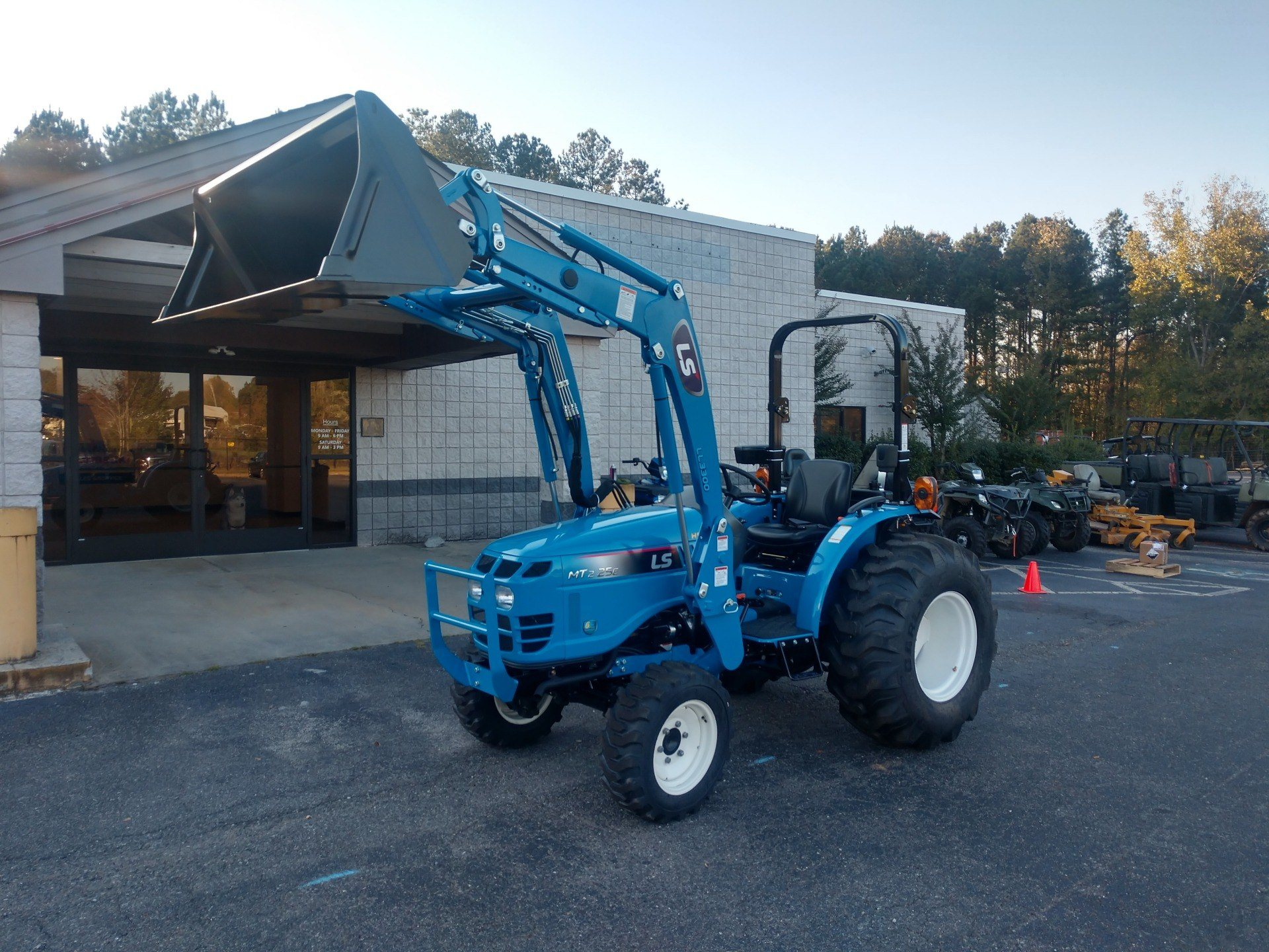 2019 LS Tractor MT225HE in Lancaster, South Carolina - Photo 2