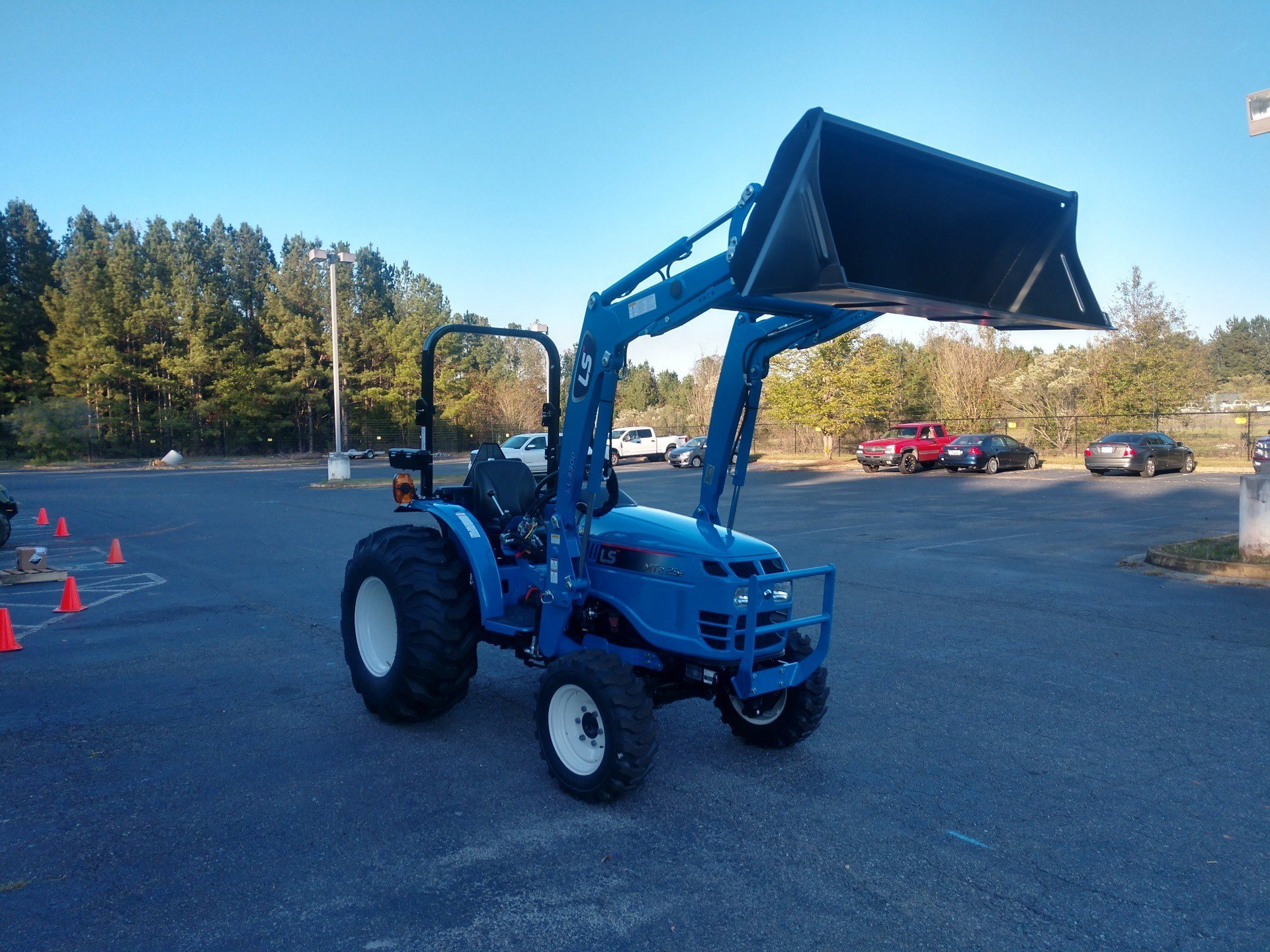 2019 LS Tractor MT225HE in Lancaster, South Carolina - Photo 3
