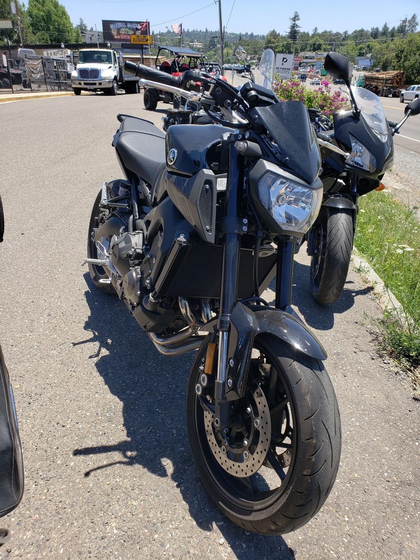 2016 Yamaha FZ-09 in Auburn, California