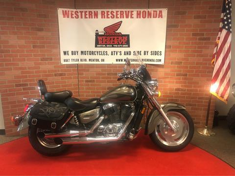 2006 Honda Shadow Sabre™ in Mentor, Ohio - Photo 1