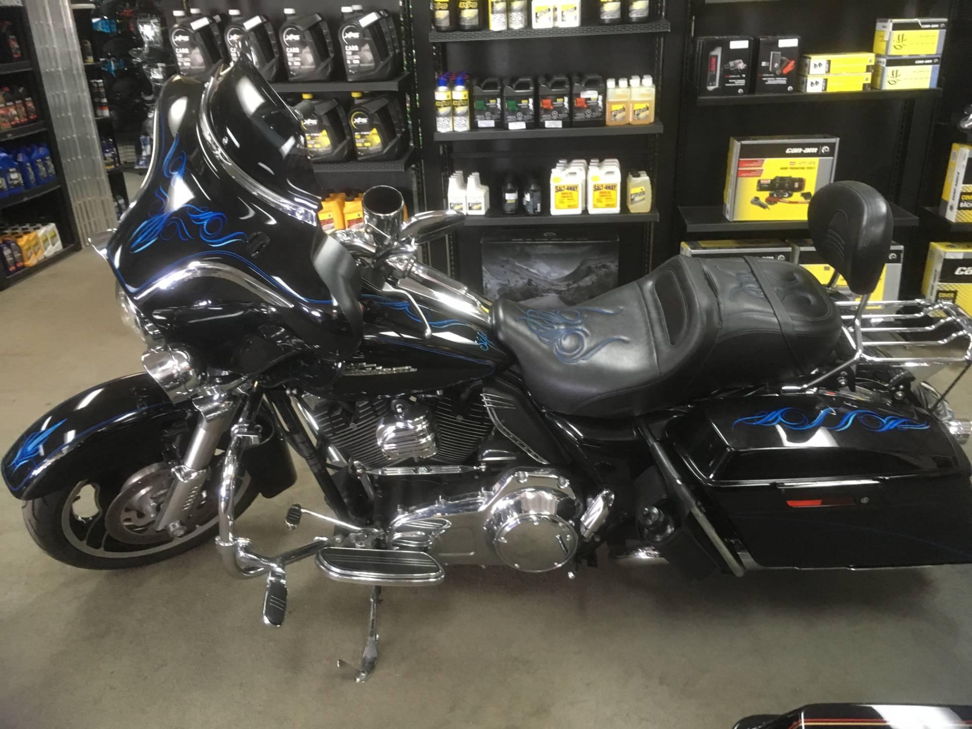 2010 Harley-Davidson FLHX STREET GLIDE 1