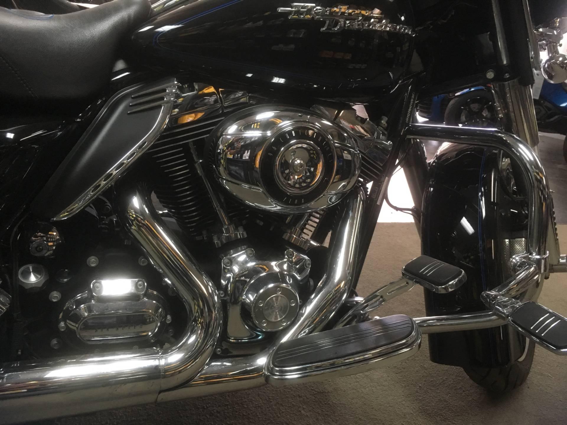 2010 Harley-Davidson FLHX STREET GLIDE 6