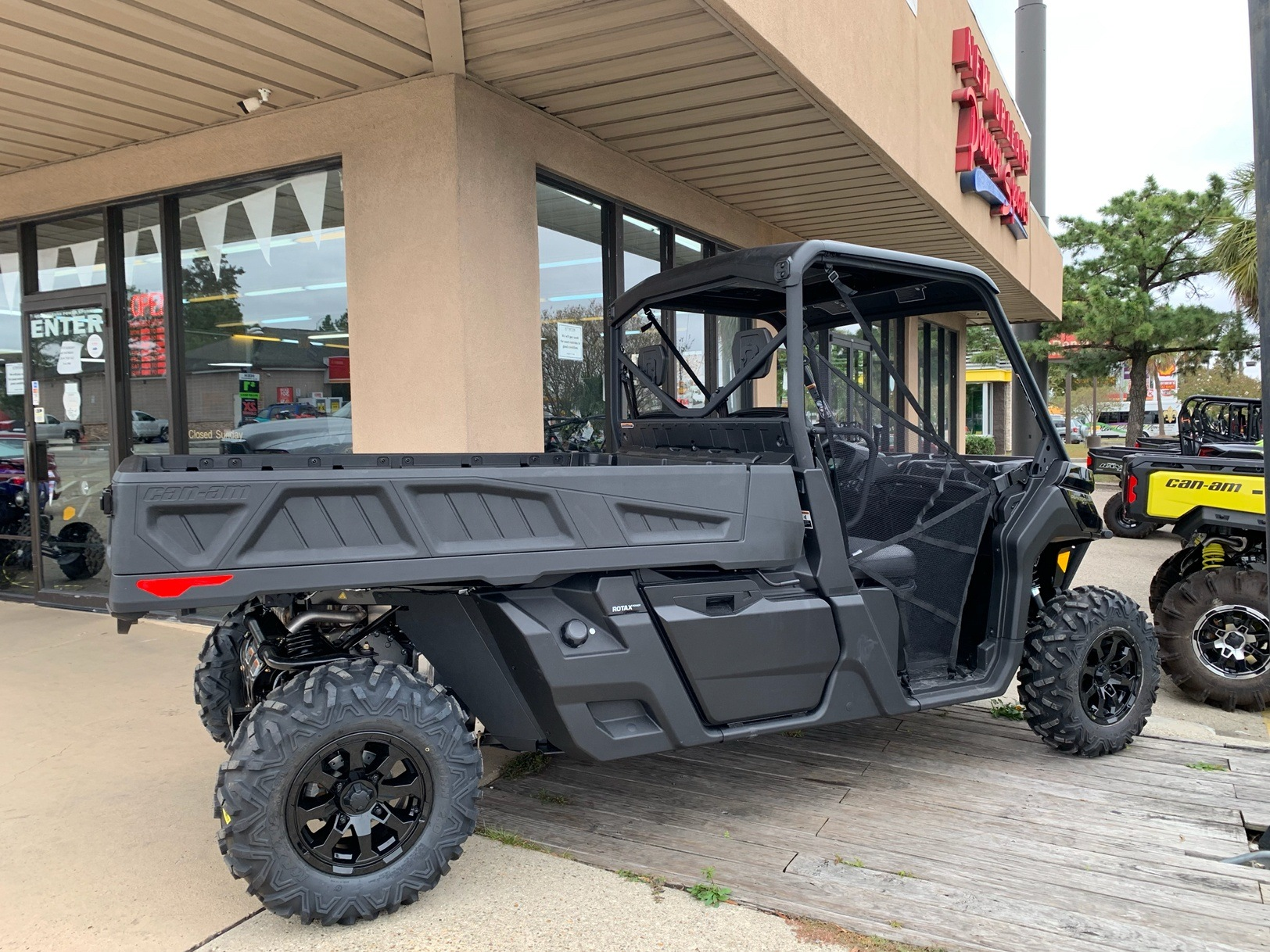 2020 Can-Am Defender Pro XT HD10 in Kenner, Louisiana - Photo 3