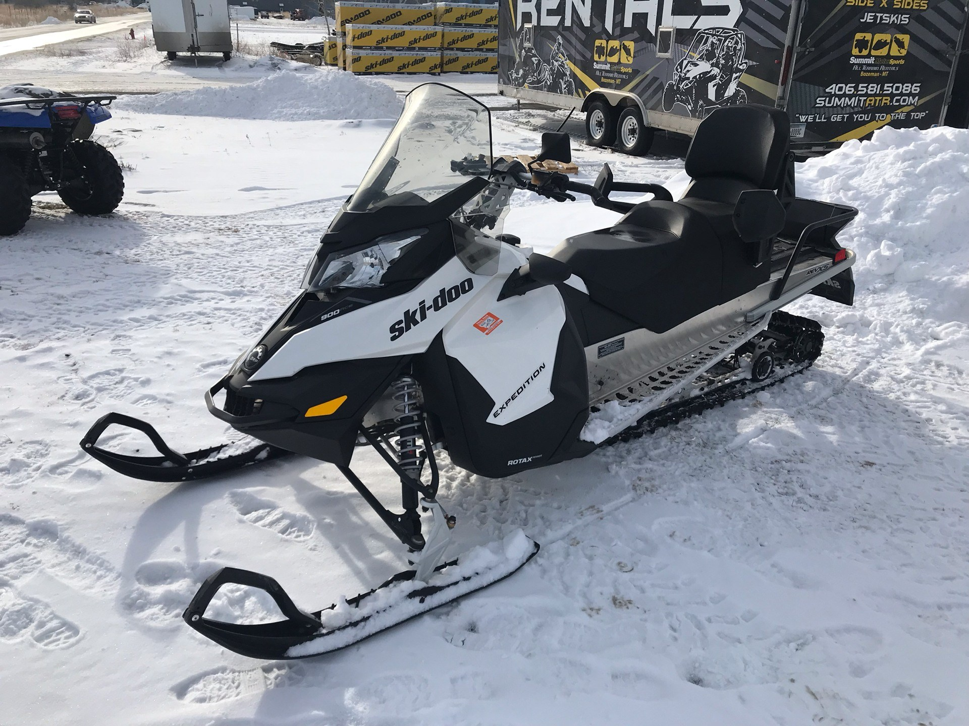 2017 Ski-Doo Expedition Sport 900 ACE in Bozeman, Montana