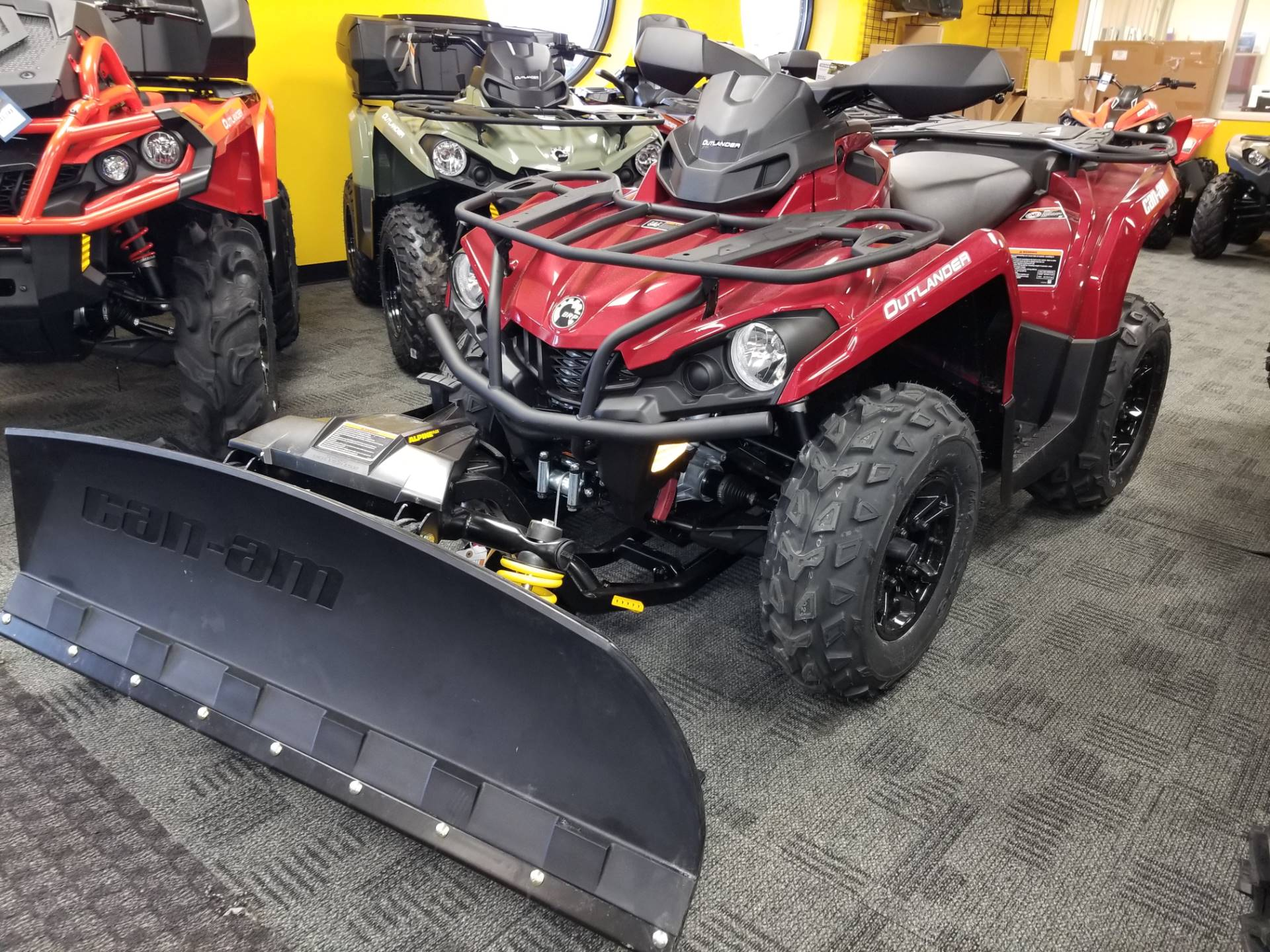 2018 Can-Am Outlander XT 570 in Wilkes Barre, Pennsylvania