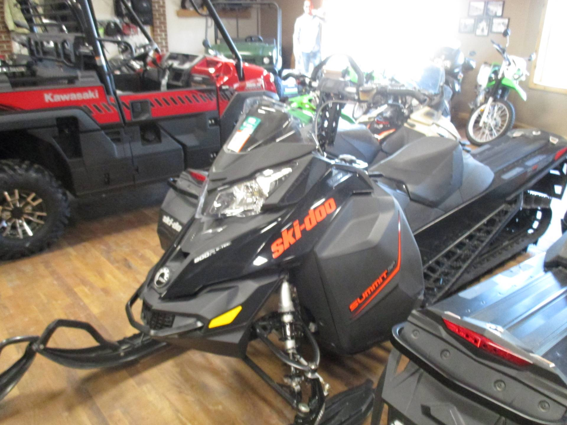 "2016 Ski-Doo Summit SP T3 163 800R E-TEC, PowderMax 3.0"" in Sully, Iowa - Photo 2"