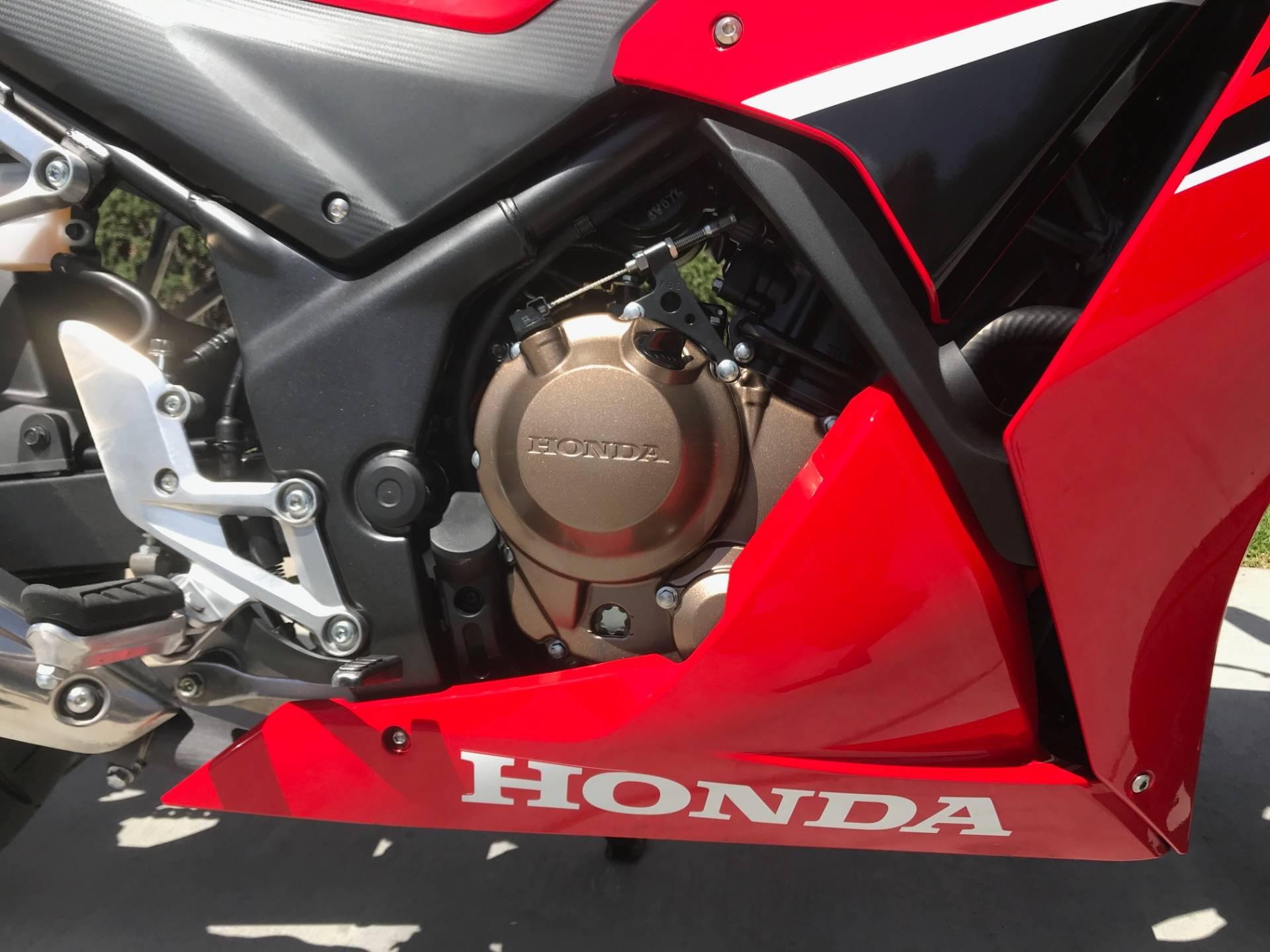 2017 Honda CBR300R 12