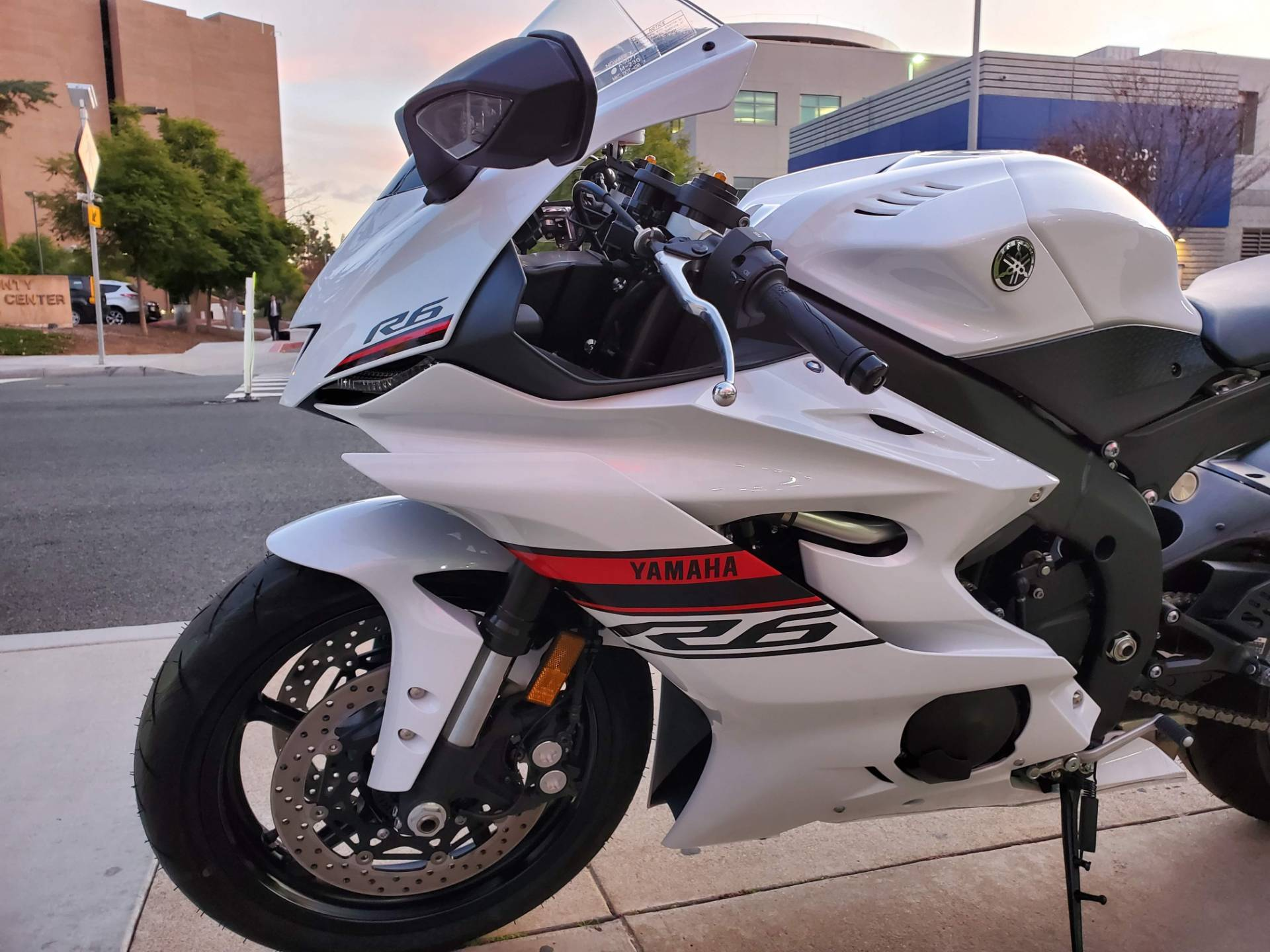 2019 Yamaha YZF-R6 11