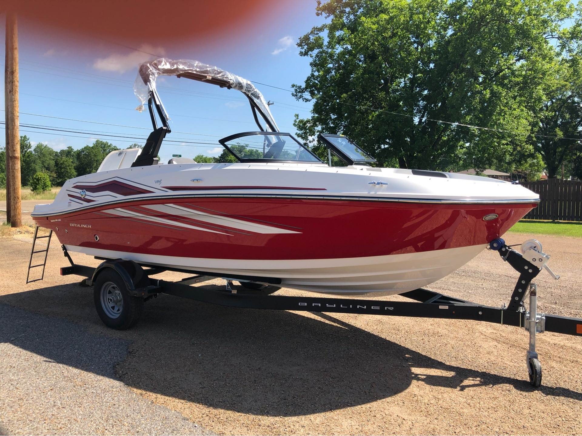 2019 Bayliner VR5 Bowrider I/O in Amory, Mississippi - Photo 2