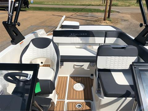 2019 Bayliner VR5 Bowrider I/O in Amory, Mississippi - Photo 6