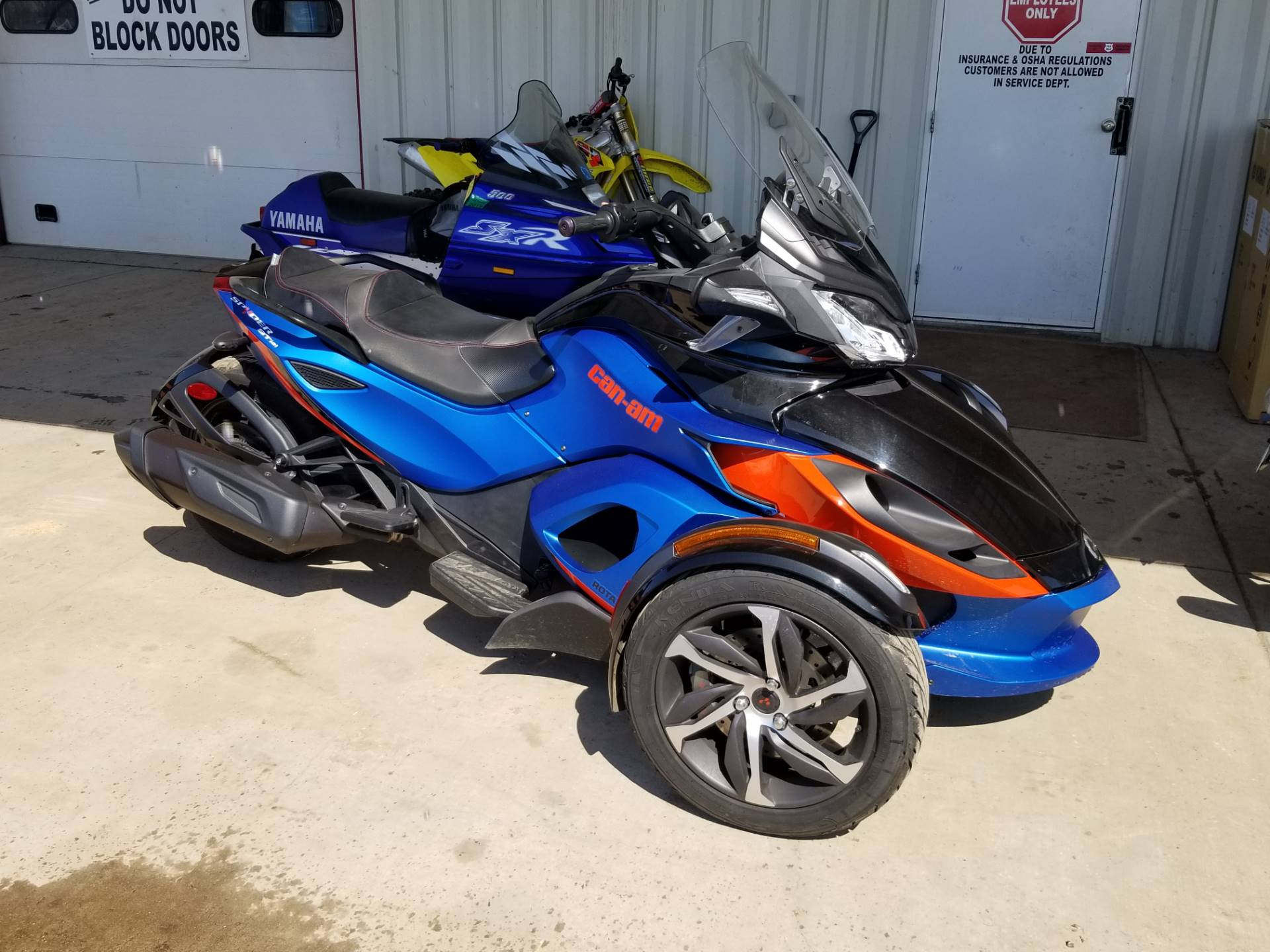 2015 Can-Am Spyder® ST-S SE5 in Antigo, Wisconsin