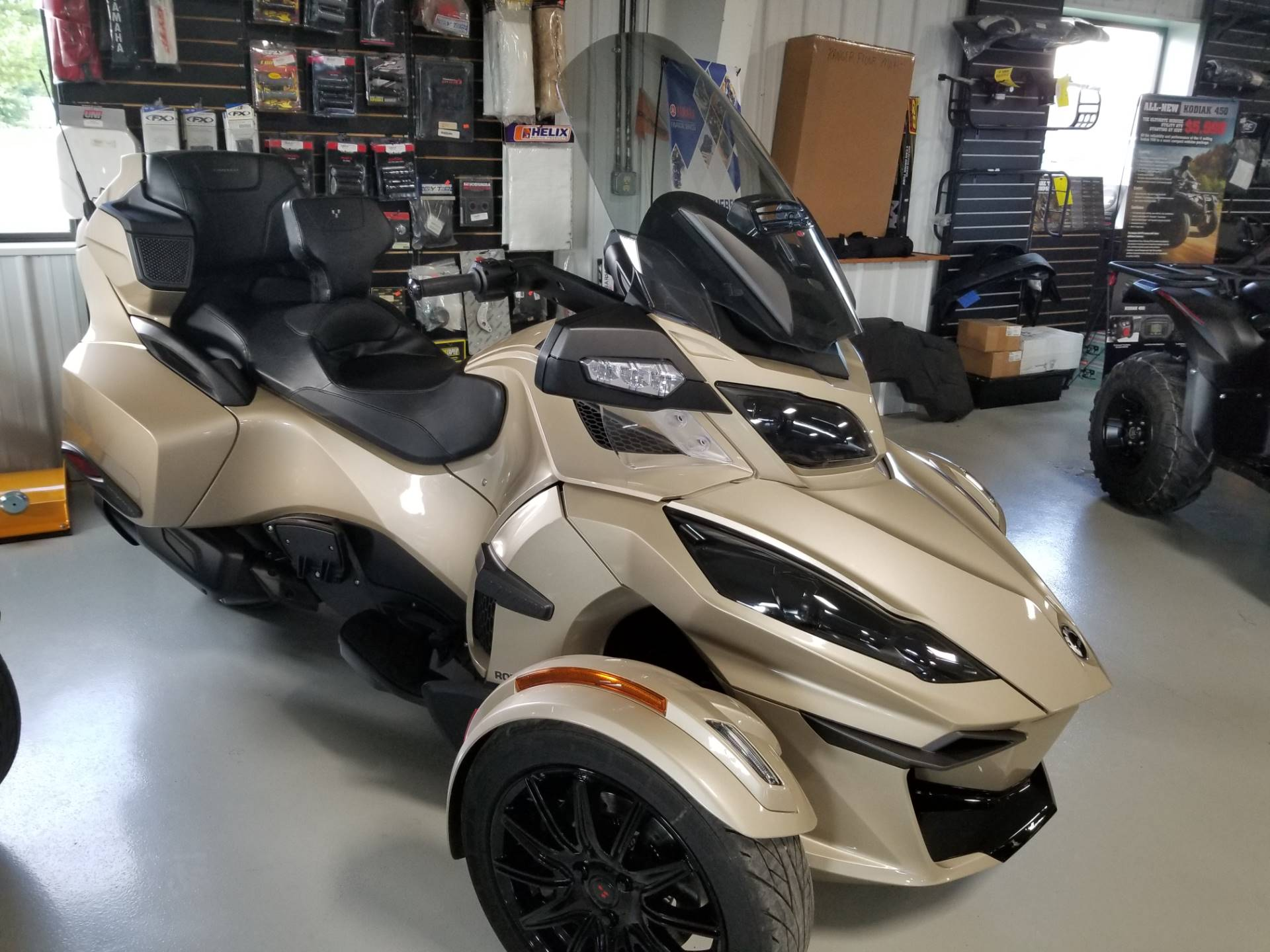 2018 Can-Am Spyder RT Limited in Antigo, Wisconsin - Photo 1