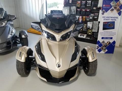 2018 Can-Am Spyder RT Limited in Antigo, Wisconsin - Photo 2