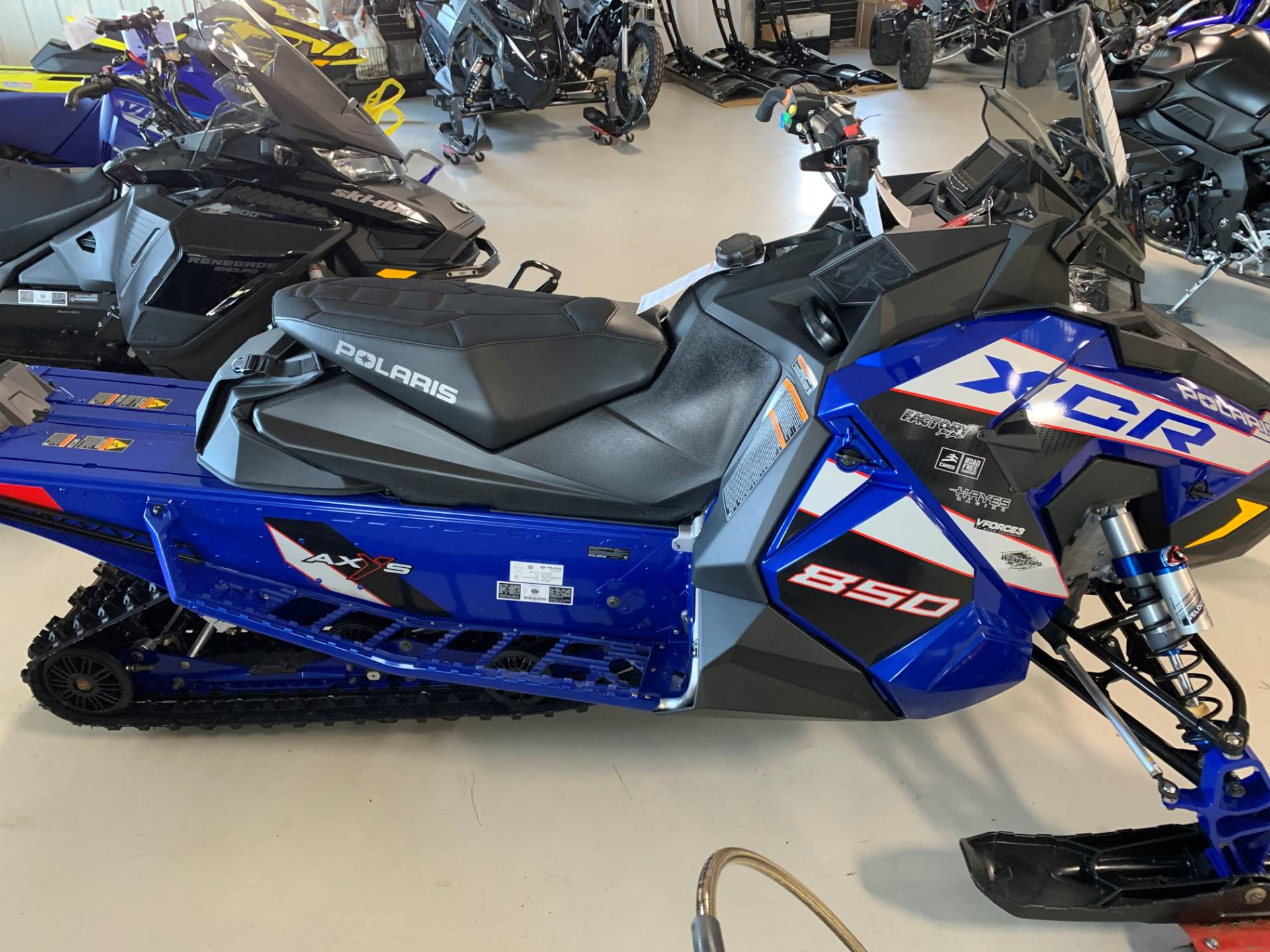 2021 Polaris 850 Indy XCR 129 Factory Choice in Antigo, Wisconsin - Photo 4