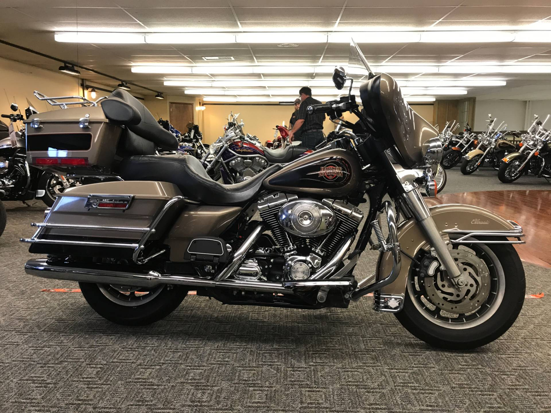 2004 Harley-Davidson FLHTC/FLHTCI Electra Glide® Classic in Fort Wayne, Indiana